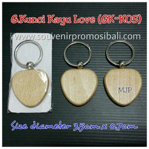 Gantungan Kunci Kayu Love GK-K05