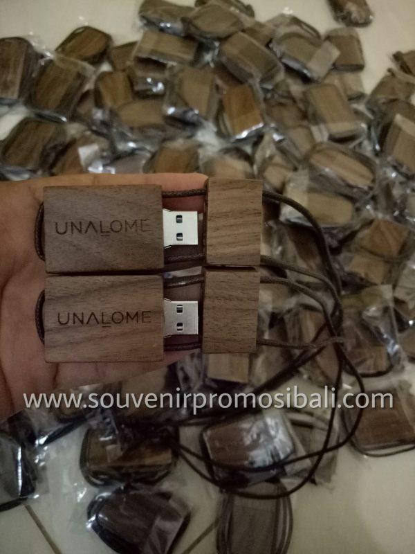 Flash Disk Whisnu 16 Souvenir Promosi Bali